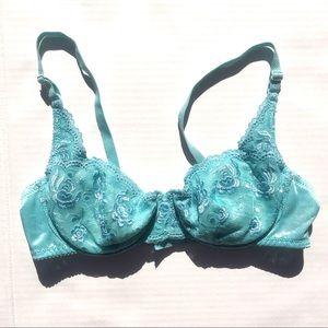 36 C sexy water bra. Looks very natural